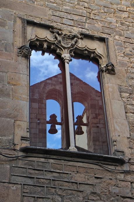 Campanes a la finestra