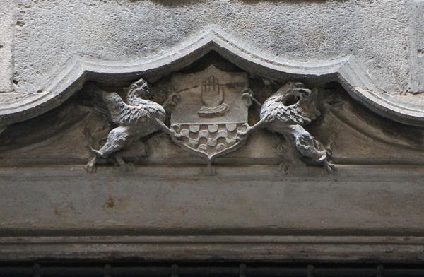 Detall de la Casa dels Canonges.