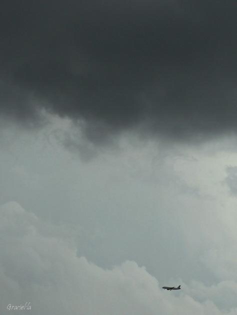 Per sota dels núvols de tempesta