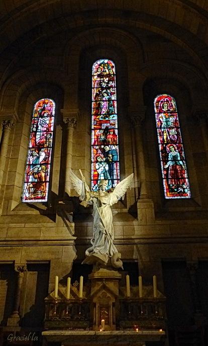Montmartre #3. Arcàngel St. Miquel.  Sacré coeur.