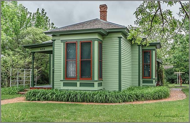 Fonda-Bell Cottage, Stuhr Museum, Railroad Town