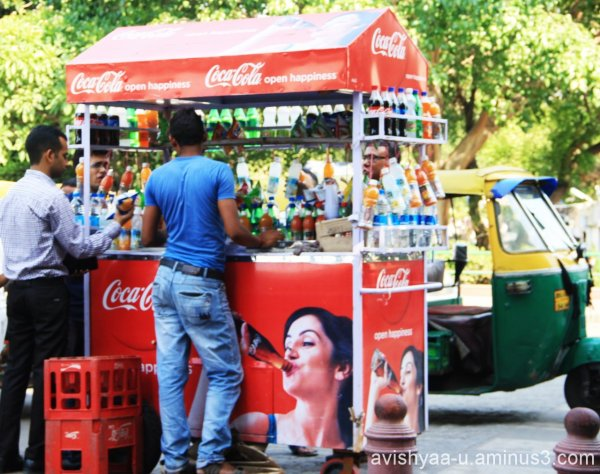 Street food and drink in Delhi