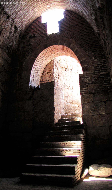 Gate of light . 1