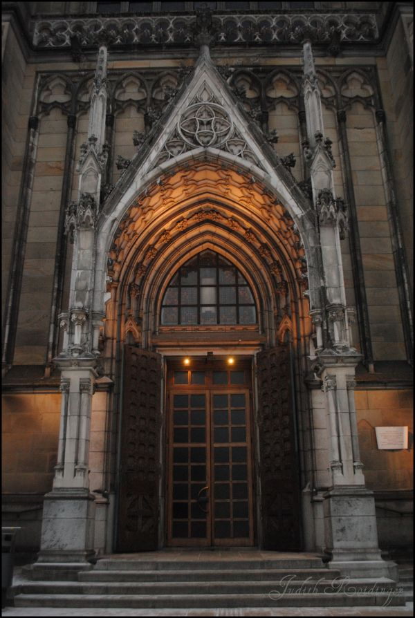 Front door of the Dome in Linz