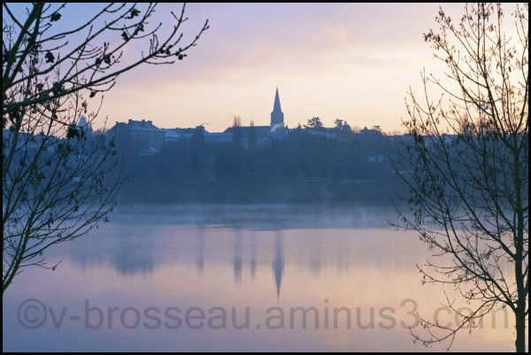 Aube sur la ville d'Angers - Dawn over the city of