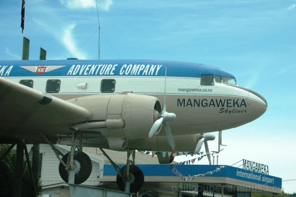 http://www.mangaweka.co.nz/home.html