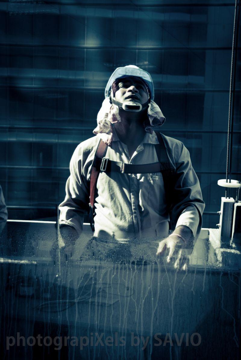 A window cleaner in Dubai