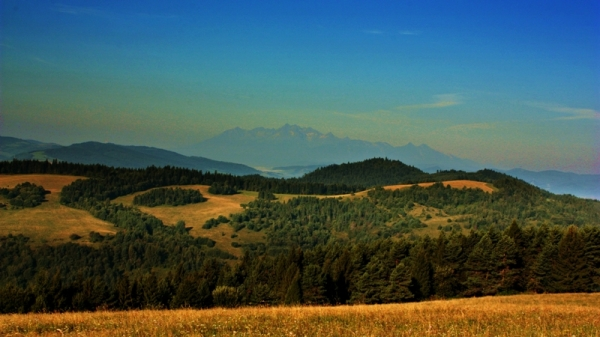 morning (with mountains of High Tatras)
