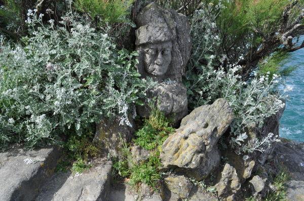 Rochers sculptés de Rothéneuf . (art brut ) 2