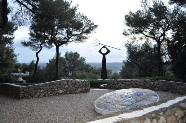 Fondation Maeght , Sculpture de Joan Miró