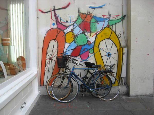 Garage à vélos .