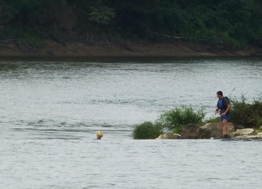 Kayak  ........reste la tête et le canotier ! 3/3