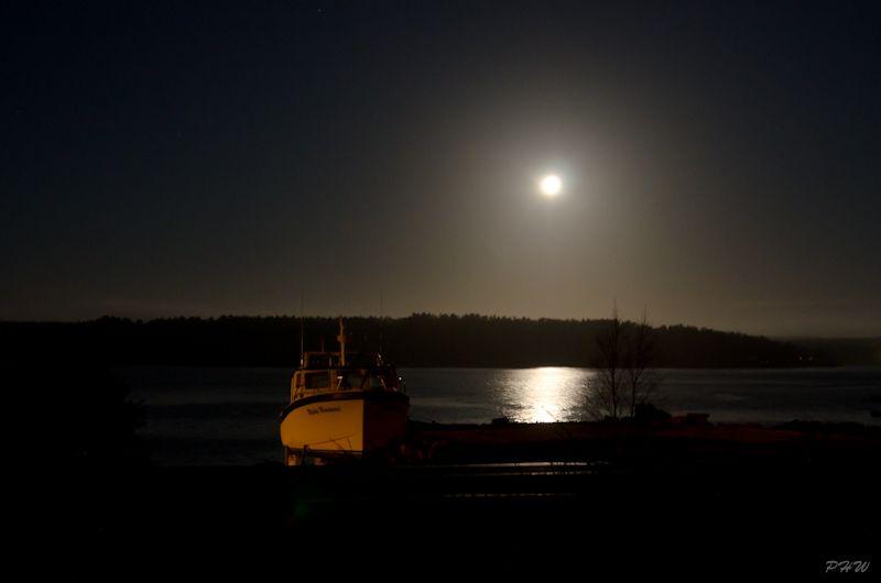 Full Moon Setting