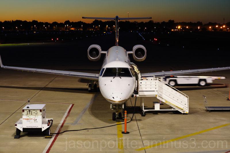 Continental RJ145 preparing for departure