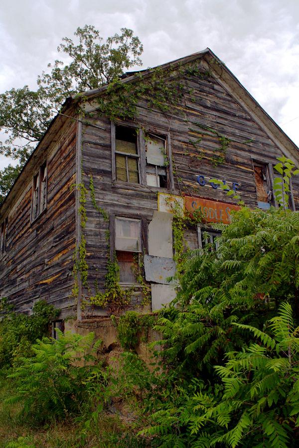 The dilapidated Saddle Store in Saddle, Arkansas