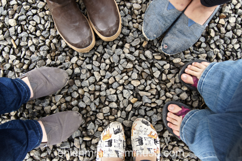 Feet in a circle