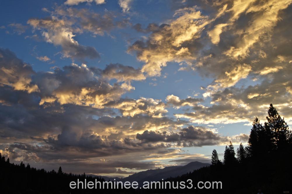 Sunrise over Hume Lake