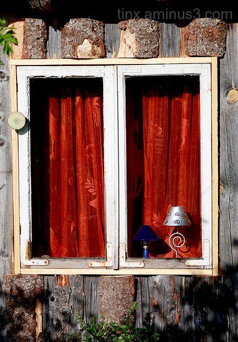 Aken, Window
