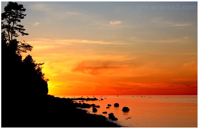 Leegitsev loojang, Flaming sunset