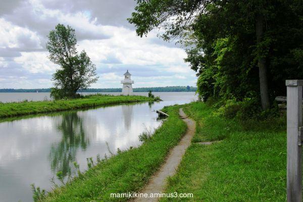 Suivre le sentier, follow the path