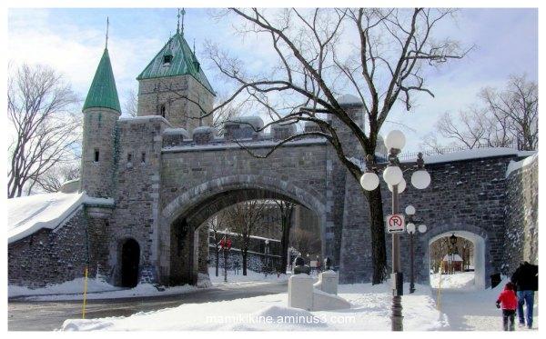 Porte St-Louis en hiver, St-Louis's gate in winter