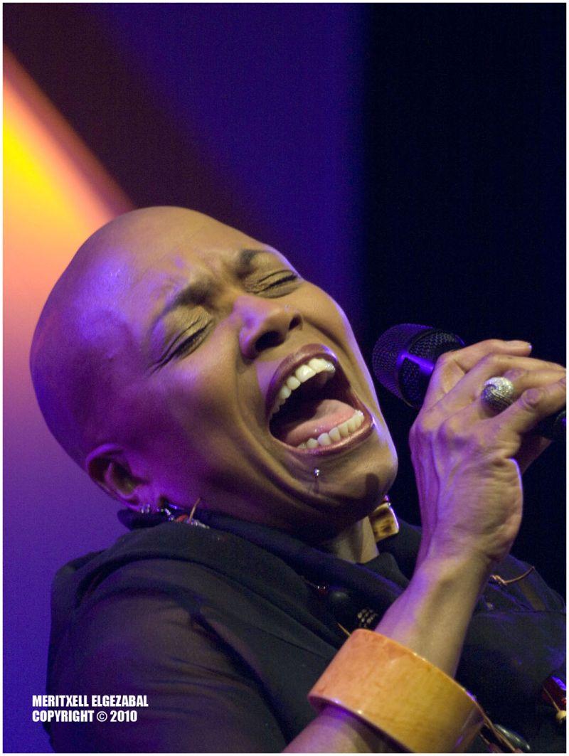 Dee Dee in concert