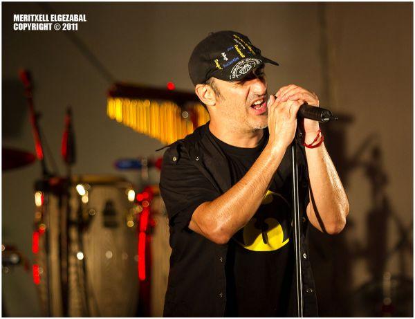 Alex Sardui (singer)