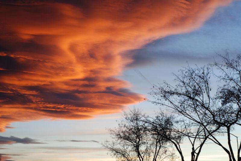 Contrast clouds