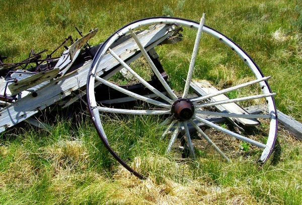 Distressed wagon
