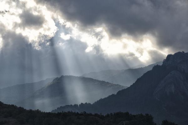 Luz providencial. Heavens sent.