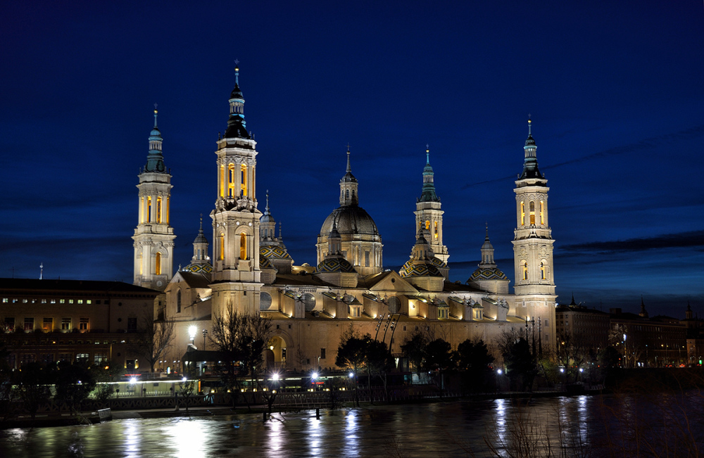 Luz y noche. Light and night in Zaragoza. 1