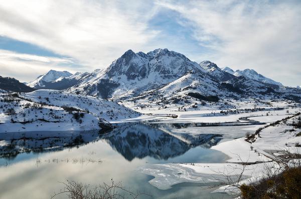 Cordillera blanca. White range.