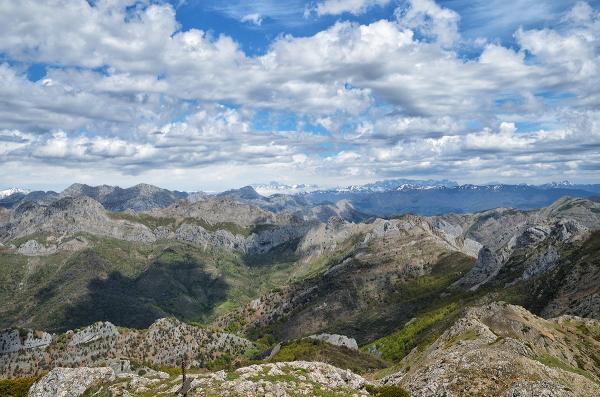 Desde la cumbre. From the summit.