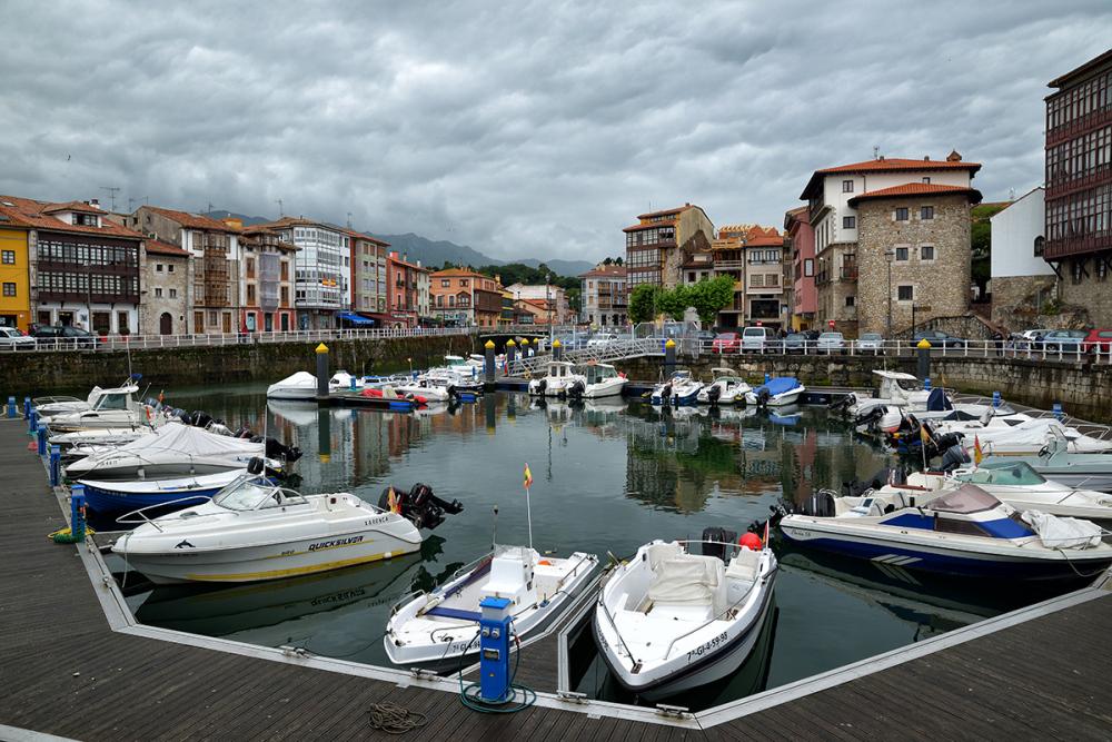 Puerto. Port