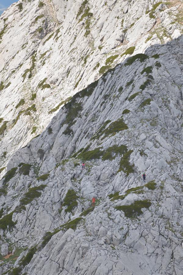 Descendiendo. The way down.