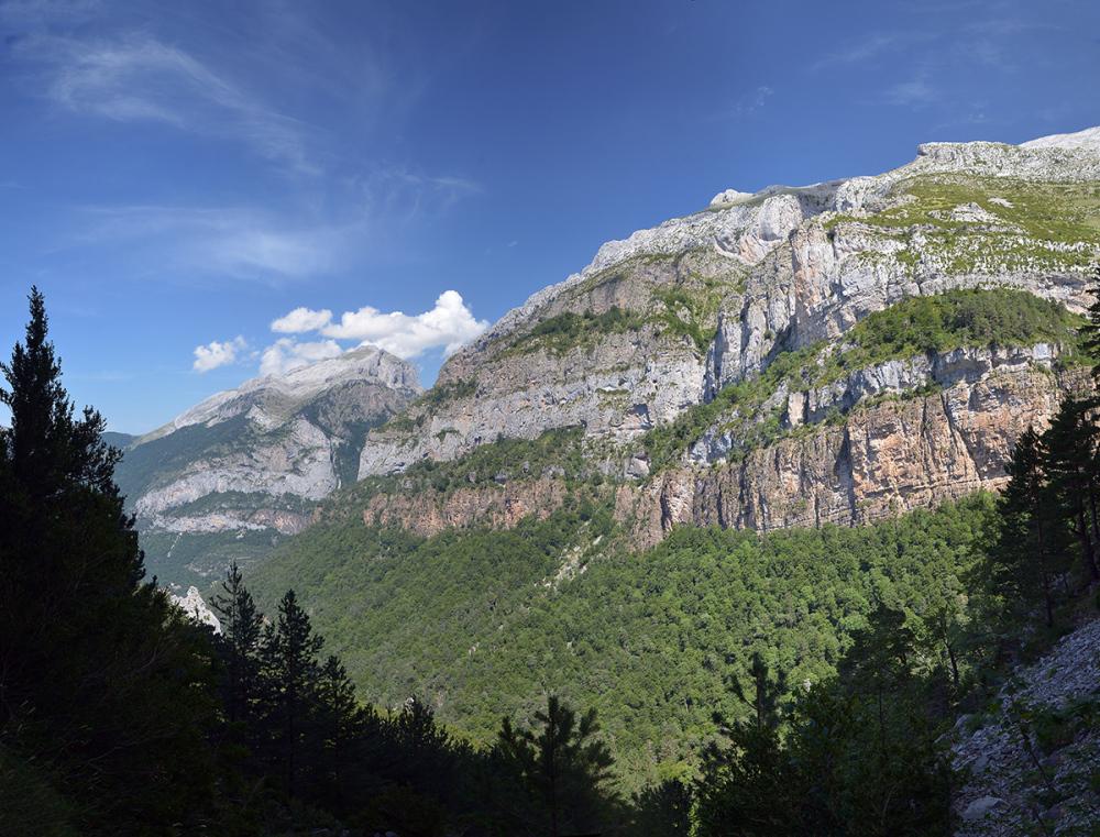 A walk in Gabardito area#1. Pyrenees