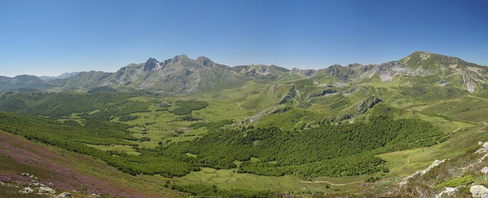 Valle de Riosol. Riosol valley from above.