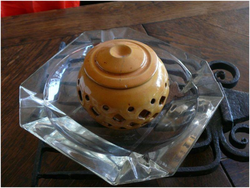The ceramic pot