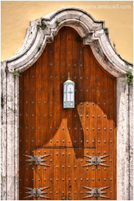 Where is the door bell ?