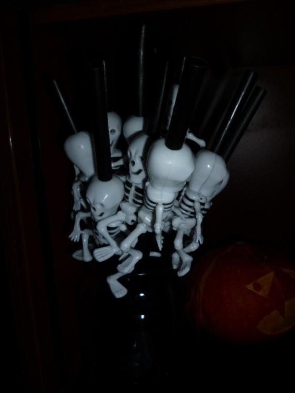 Spooky straws