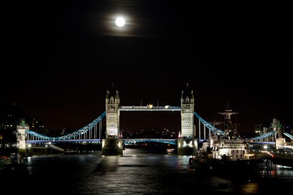 Night shot of Tower Bridge and the HMS Belfast
