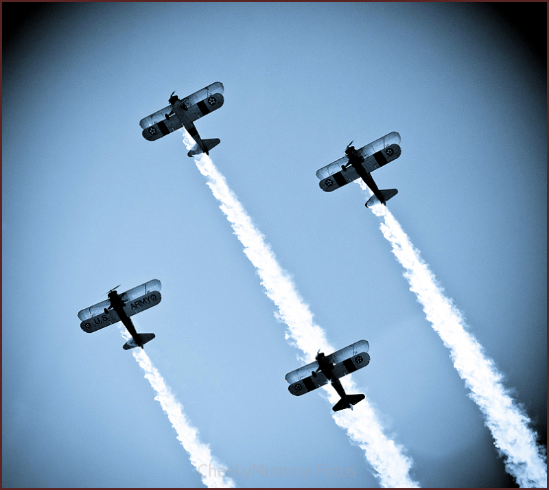 Flight show of vintage planes