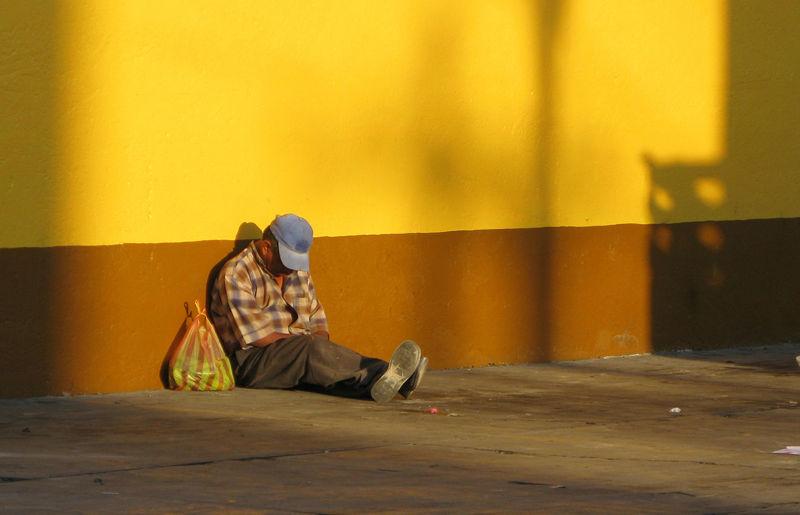 Descansando sólo en el sol - JMM