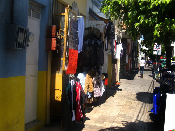 Venta ropa usada callejera - jlg