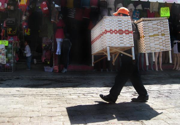 Vendedor Callejero de Muebles - jlg