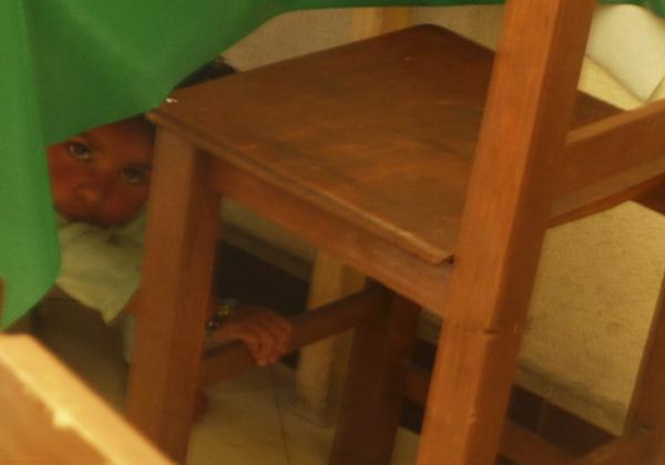 Debajo de la mesa - jlg