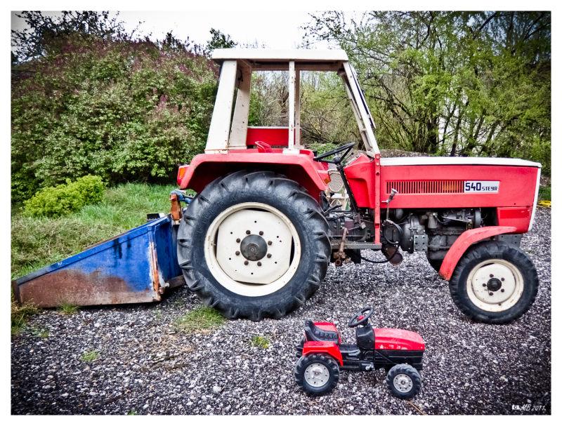 Steyr Traktor Spielzeug