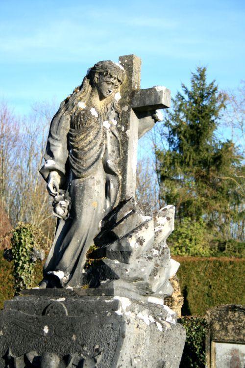 croix statue