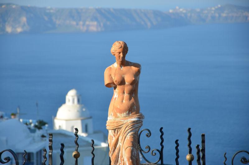A statue of Venus in Santorini