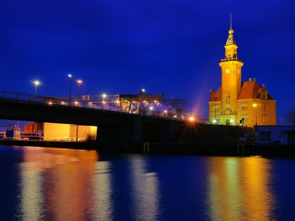Hafenamt Dortmund at night